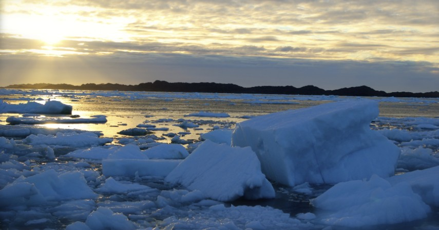 Matahari hanya bersinar selama 2 bulan - Mengenal Greenland Salah Satu Negara yang Belum Dikunjungi Corona