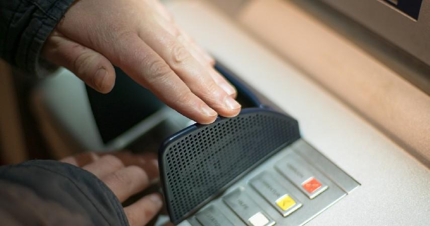 Melalui ATM Mandiri - 8 Cara Top Up Ovo Paling Mudah dan Cepat