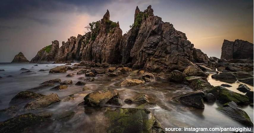 Pantai Gigi Hiu Lampung - Tujuan Wisata Wajib Dikunjungi Tahun 2020 di Indonesia