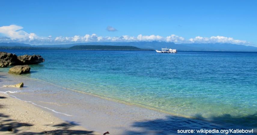 Pulau Moyo Sumbawa - 10 Tempat Honeymoon Romantis di Indonesia