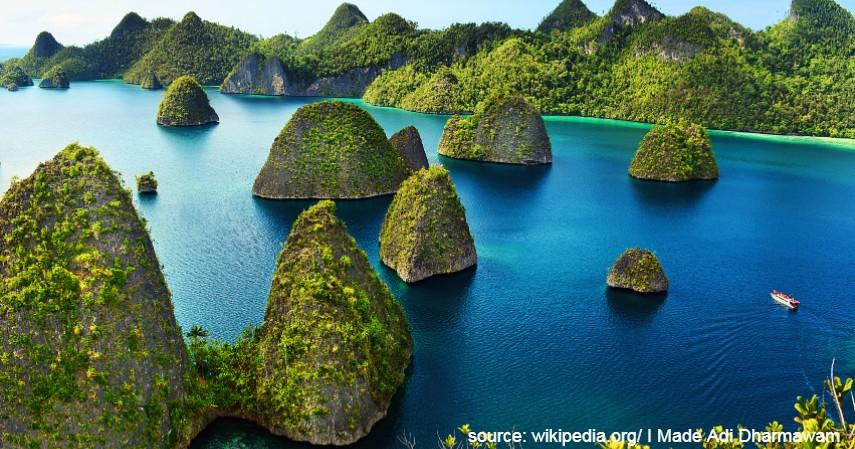 Raja Ampat Papua - 10 Tempat Honeymoon Romantis di Indonesia