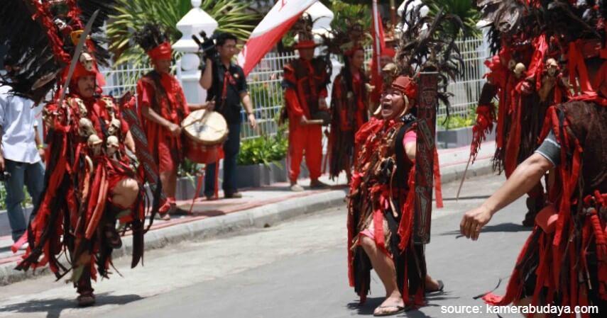 Tari Cakalele - Tari Tradisional Asal Indonesia
