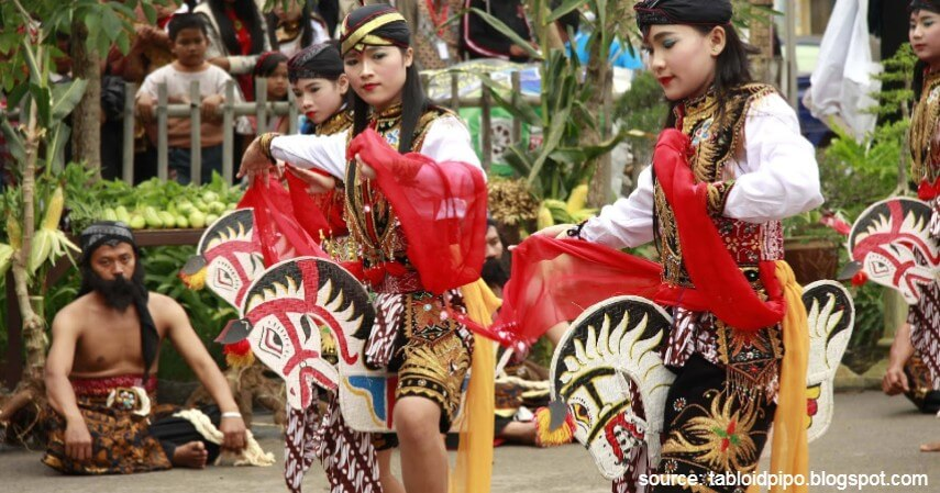 Tari Kuda Lumping - Tari Tradisional Asal Indonesia