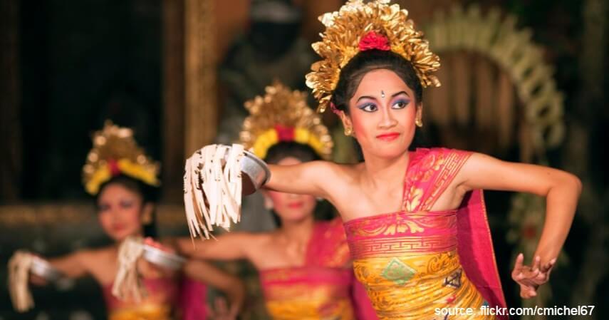Tari Pendet - Tari Tradisional Asal Indonesia