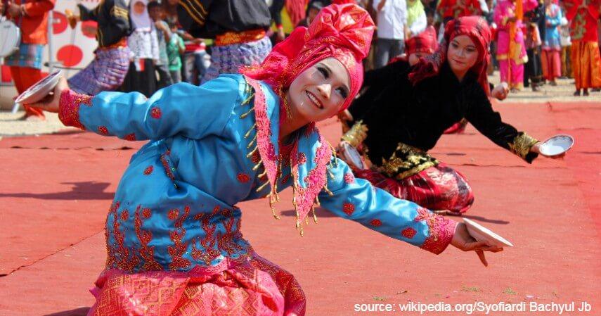 Tari Piring - Tari Tradisional Asal Indonesia