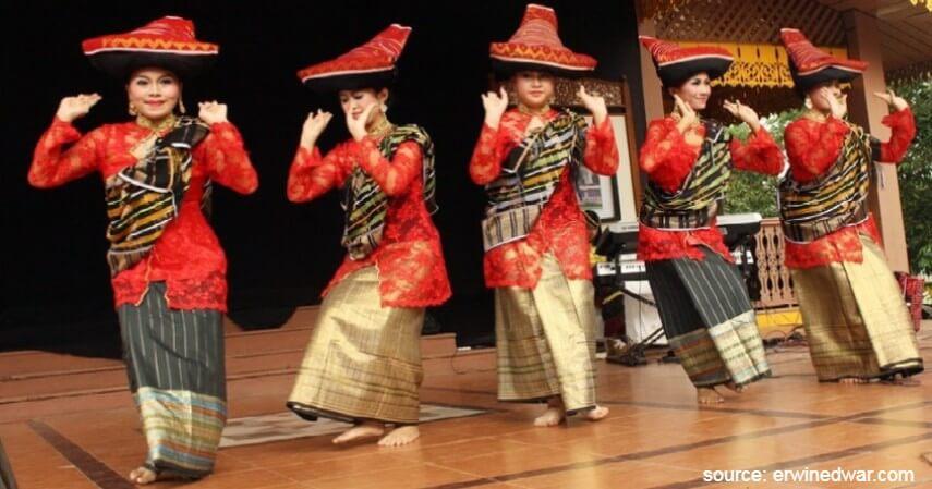 Tari Piso Surit - Tari Tradisional Asal Indonesia