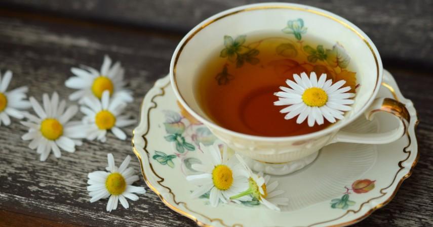 Teh Chamomile - 7 Obat Alami Penderita Maag Herbal Dijamin Manjur