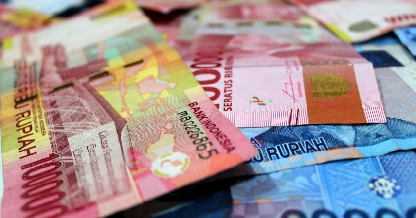 Uang Kertas - 7 Benda yang Menjadi Penularan Virus Corona