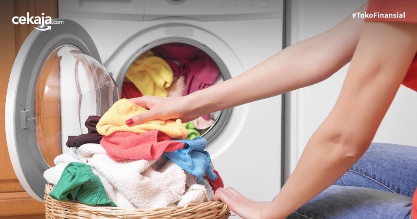 cara mencuci pakaian saat corona
