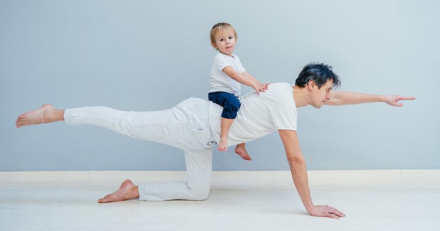 Baby crawl - Tips Berolahraga Bersama Si Kecil Agar Tetap Bugar Saat Puasa