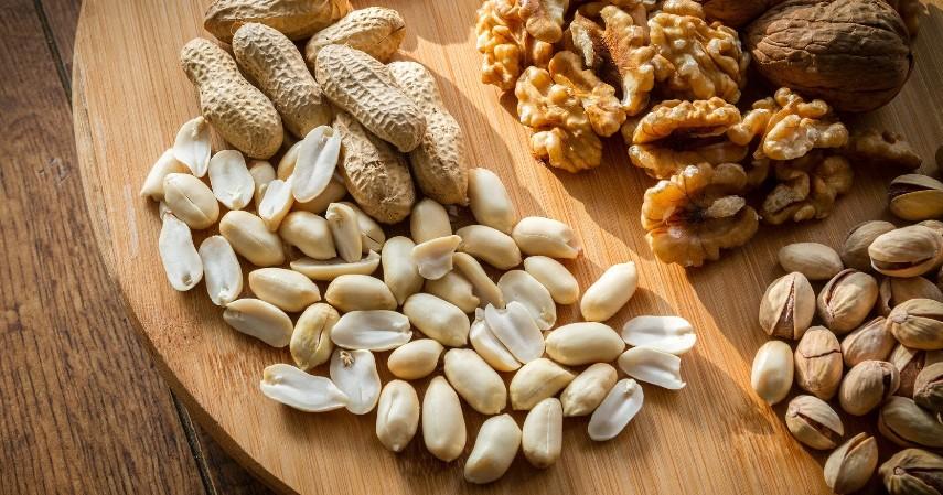 Kacang-kacangan - 5 Camilan Sehat saat Buka Puasa yang Enak dan Gak Bikin Begah