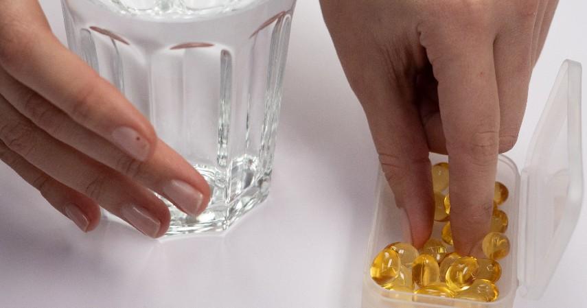 Konsumsi Multivitamin - Ini Dia 8 Tips Menjaga Stamina saat Puasa yang Perlu Dilakukan