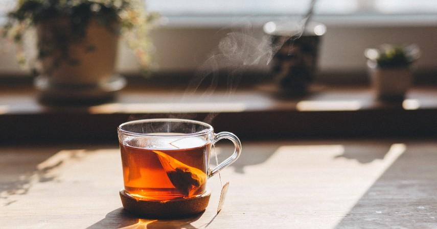 Kurangi Mengkonsumsi Teh dan Kopi - 6 Tips Puasa bebas Bau Mulut Tingkatkan Percaya Diri