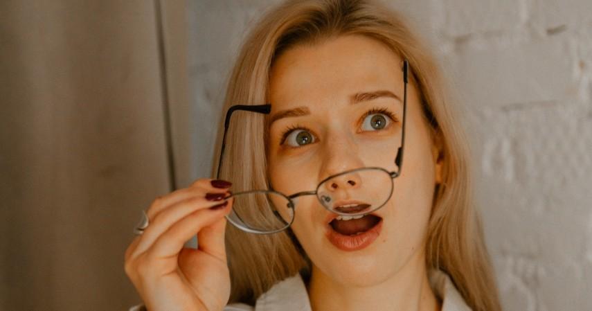 Lepas Kacamata saat Tidak Digunakan - 8 Cara Mengobati Mata Minus Secara Alami Dijamin Manjur
