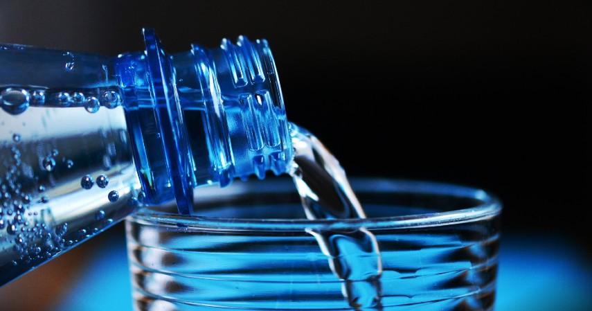 Memperbanyak Konsumsi Air Putih - 6 Tips Puasa bebas Bau Mulut Tingkatkan Percaya Diri