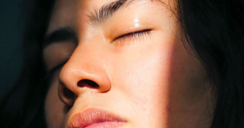 Rutin Menjemur Mata di Pagi Hari - 8 Cara Mengobati Mata Minus Secara Alami Dijamin Manjur