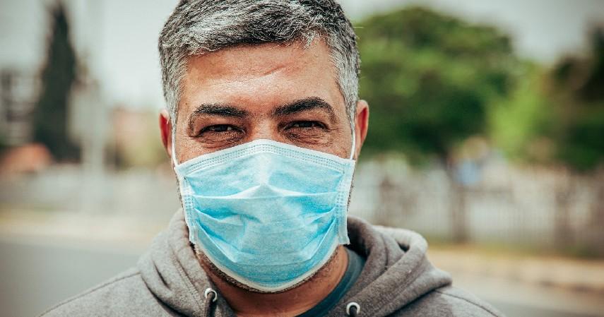 Wajib Pakai Masker - 6 Tips Aman Mengendarai Mobil di Tengah Wabah Corona