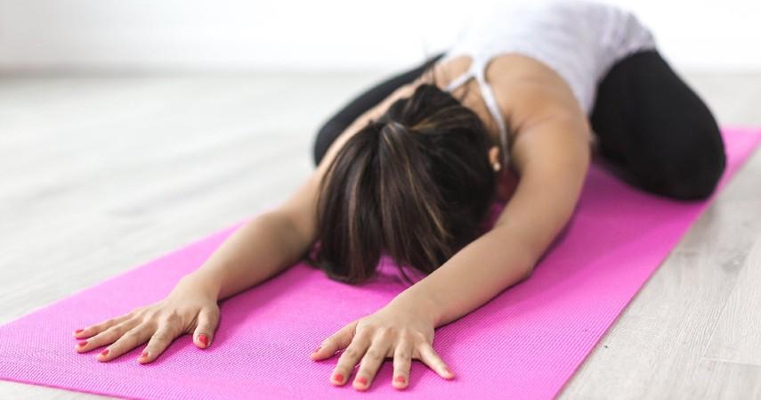 Yoga - 5 Olahraga yang Dianjurkan Saat Puasa Beserta Waktu Terbaiknya