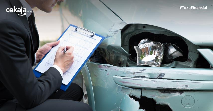 Cara Klaim Asuransi Mobil Tabrakan Beruntun