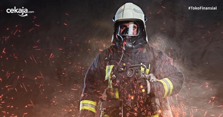 3 Risiko Pekerjaan Pemadam Kebakaran, Lindungi Dengan Ciputra Life Biar Aman
