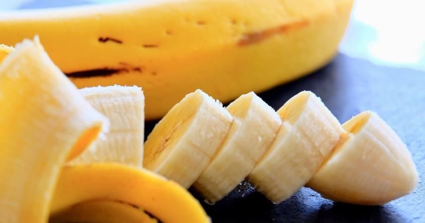 Buah pisang - 4 Cara Cepat dan Hemat Turunkan Kolesterol Setelah Lebaran