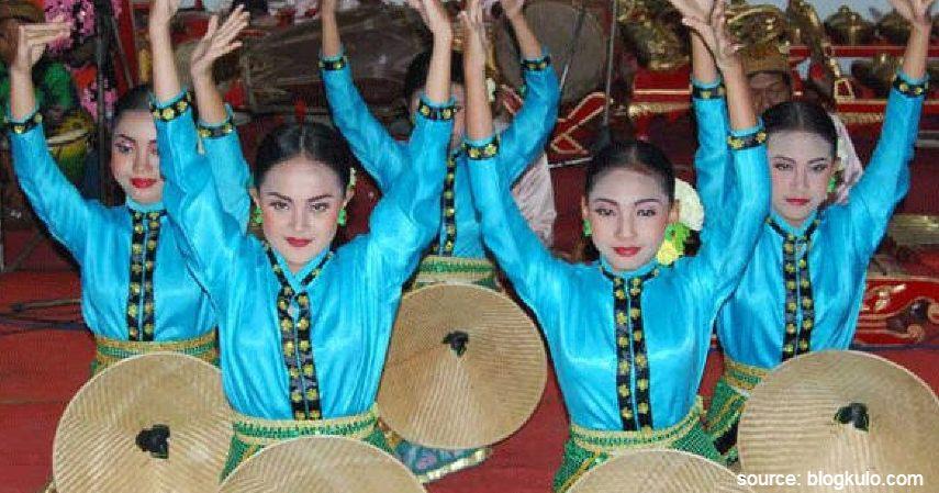Caping Ngancak - Intip 6 Daftar Kesenian Tradisional Khas Jawa Timur