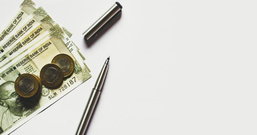 Malas mencatat pengeluaran - Kesalahan Para Remaja Mengelola Keuangan