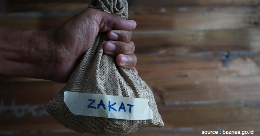 Membayar Zakat Fitrah - 8 Tips Mempersiapkan Lebaran di Rumah Ini Wajib Dilakukan