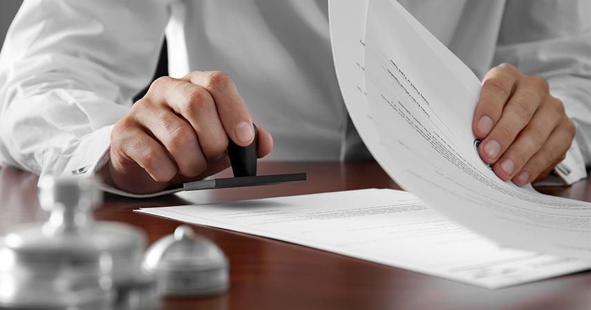 Membuat surat wasiat - 7 Pengorbanan Perawat Selama Corona Layak Punya Asuransi Kesehatan Ciputra