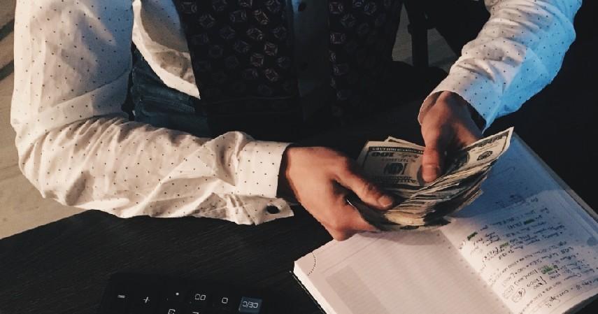 Memeriksa dan Mengatur Keuangan Kembali - Tips Berhemat Setelah Lebaran