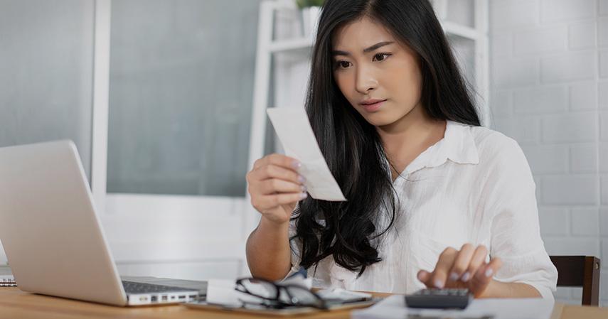 Periksa Kembali Keuangan Kamu - THR Jangan Dihabiskan ya Lakukan 5 Hal Ini Biar Tetap Hemat