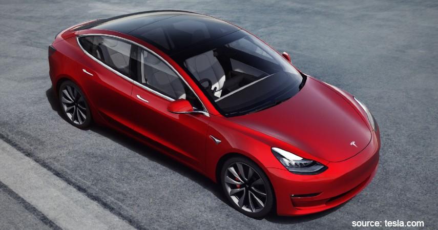 Tesla Model 3 - 5 Mobil Listrik Terbaik di Dunia dengan Performa Juara
