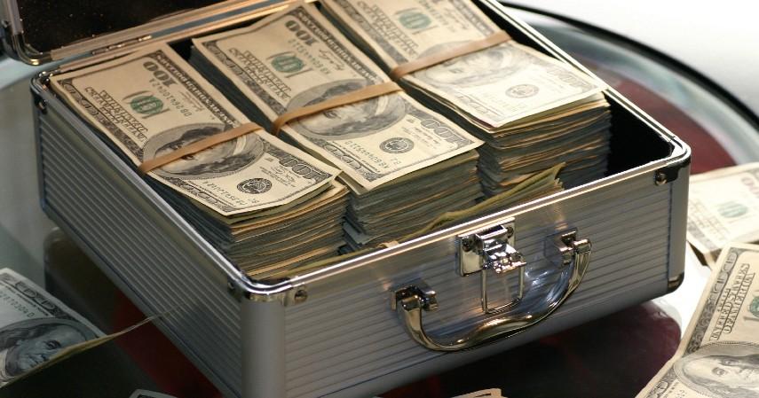 Uang kelebihan dari lelang atau penjualan barang gadai tidak transparan dan tidak dikembalikan kepada konsumen - Waspada Pergadaian Ilegal Ini Ciri-cirinya Menurut OJK