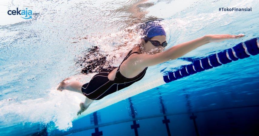 Terapi Tulang Belakang dengan Berenang Ini Dijamin Aman