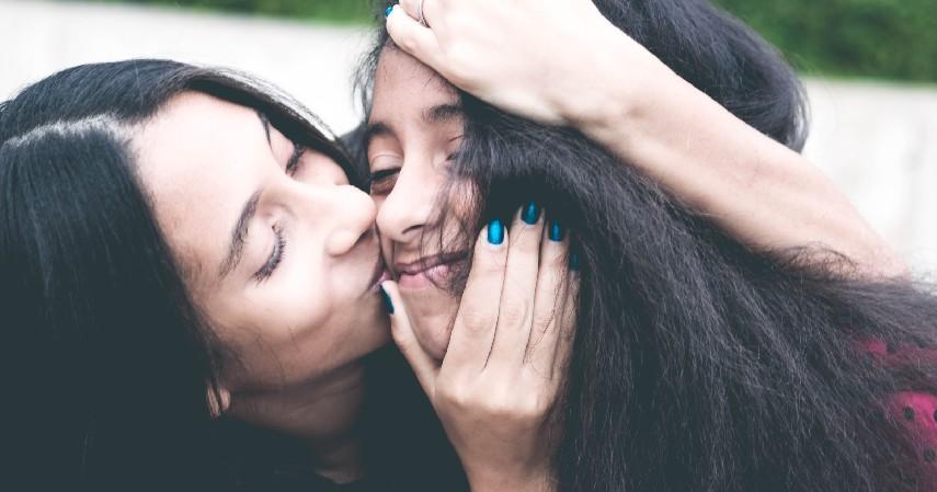 Ajarkan Pengetahuan Tentang Kejahatan Seksual - Tips Mendidik Anak yang Benar Sesuai Fase Pertumbuhannya