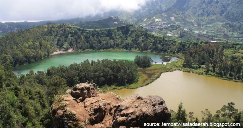 Batu Pandang Ratapan Angin - Deretan Wisata Pegunungan Dieng yang Dikenal Sebagai Negeri di Atas Awan
