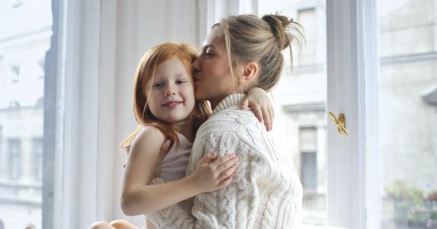 Berikan Apresiasi dan Pujian Ketika Anak Melakukan Sesuatu yang Baik - Tips Mendidik Anak yang Benar Sesuai Fase Pertumbuhannya