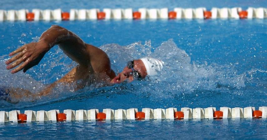Gaya Bebas - Terapi Tulang Belakang dengan Berenang Ini Dijamin Aman