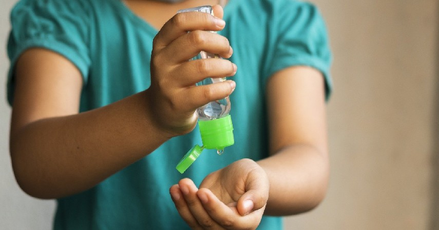 Hand Sanitizer - Siapkan Peralatan New Normal dengan Kartu Kredit Terpercaya