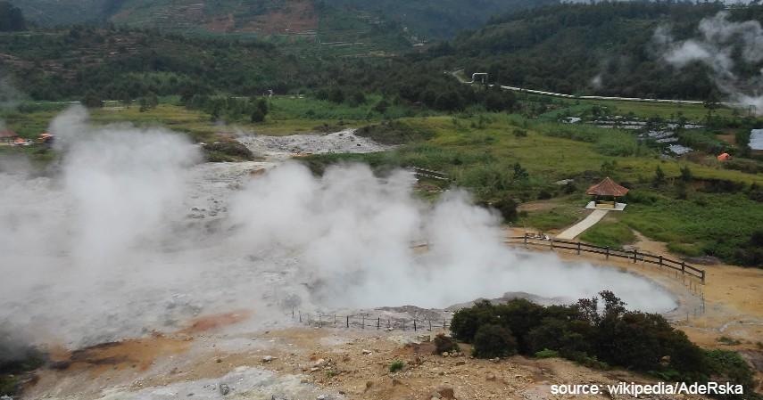 Kawah Sikidang - Deretan Wisata Pegunungan Dieng yang Dikenal Sebagai Negeri di Atas Awan