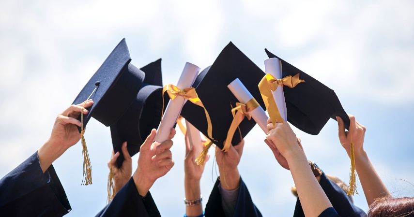 Keuntungan Mengajukan Pinjaman Dana Pendidikan