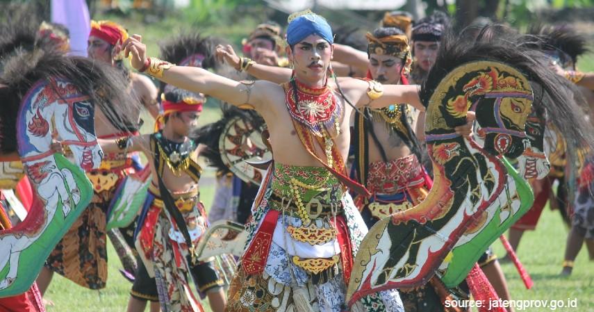 Kuda Lumping atau Jathilan - 18 Kesenian Tradisional Khas Jawa Tengah Terlengkap Sudah Tahu