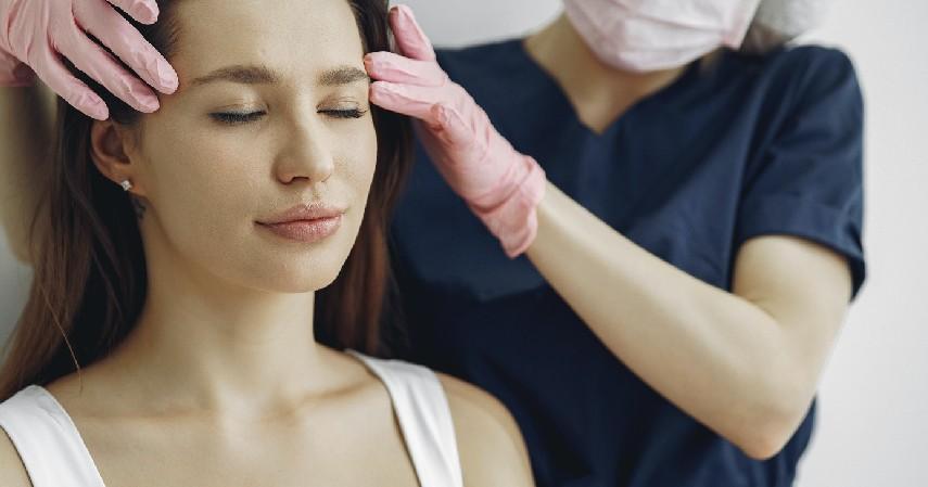 Lakukan pijatan lembut - Cara Mengobati Sakit Kepala Secara Alami Bebas Nyeri Tanpa Efek Samping