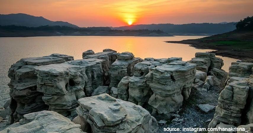 Lubang Sewu - Deretan Wisata Pegunungan Dieng yang Dikenal Sebagai Negeri di Atas Awan