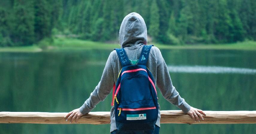 Membawa Peralatan Pribadi - 10 Tips Bepergian saat New Normal yang Wajib Diketahui Para Pelancong