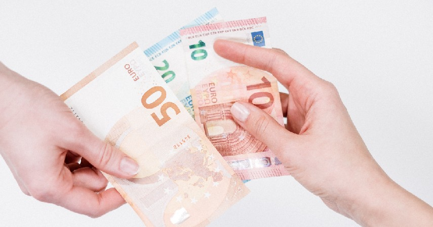 Prioritaskan tagihan utama - Tips Menghemat Pengeluaran Dimasa Krisis Keuangan