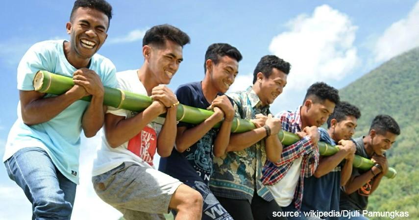 Tari Bambu Gila - 12 Kesenian Tradisional Khas Maluku Ini Wajib Diketahui