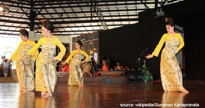 Tari Jaipong - 9 Kesenian Tradisional Khas Jawa Barat yang Paling Terkenal