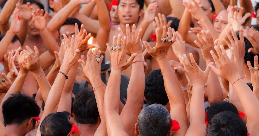 Tari Kecak - 7 Kesenian Tradisional Khas Bali yang Belum Banyak Orang Tahu