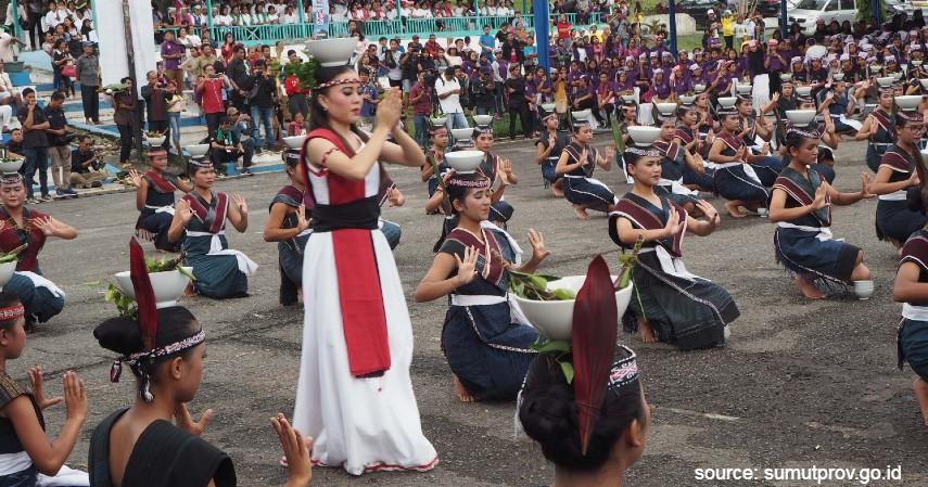 Tari Souan - 9 Kesenian Tradisional Khas Sumatera Utara dari Alat Musik hingga Tarian